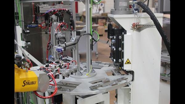 cellule robotisée préhenseur spécifique